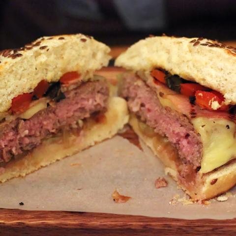 Burger Tates corte